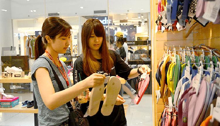 買い物や休憩がてら、生活圏で使える英語を実践学習!