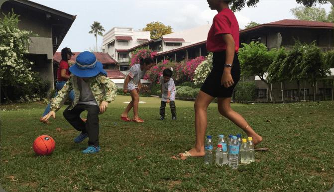 ママがリフレッシュ中は、子どもたちも英語ナーサリー講師と思いっきり遊びます!